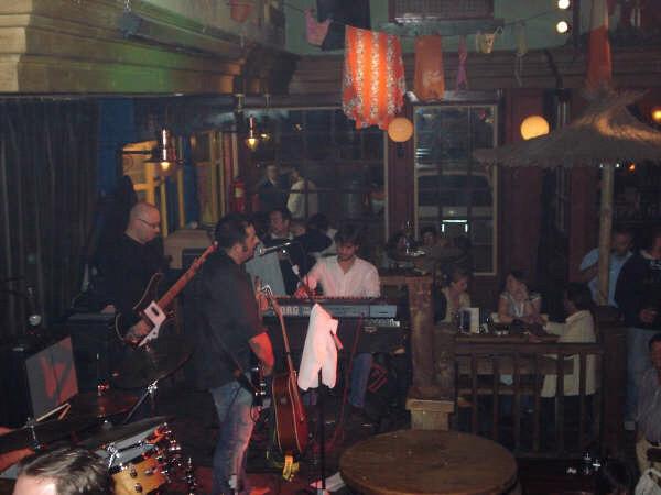 Avec (trabajando con) Isi Vaamonde Band
